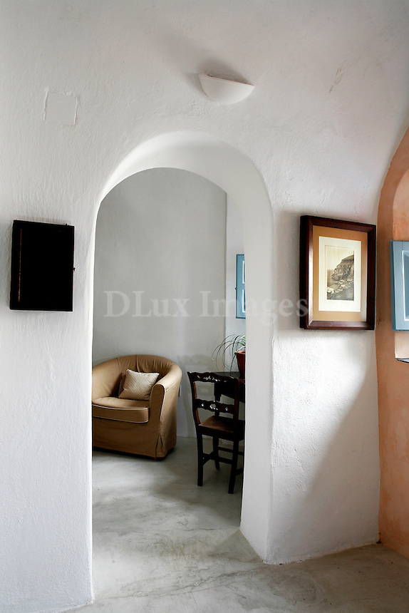 traditional indoor arch