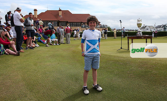 Wee Max adorned a special t-shirt in tribute to the kindness shown by BRADLEY NEIL towards him during The Amateur Championship 2014 from Royal Portrush Golf Club, Portrush, Northern Ireland. Picture:  David Lloyd / www.golffile.ie