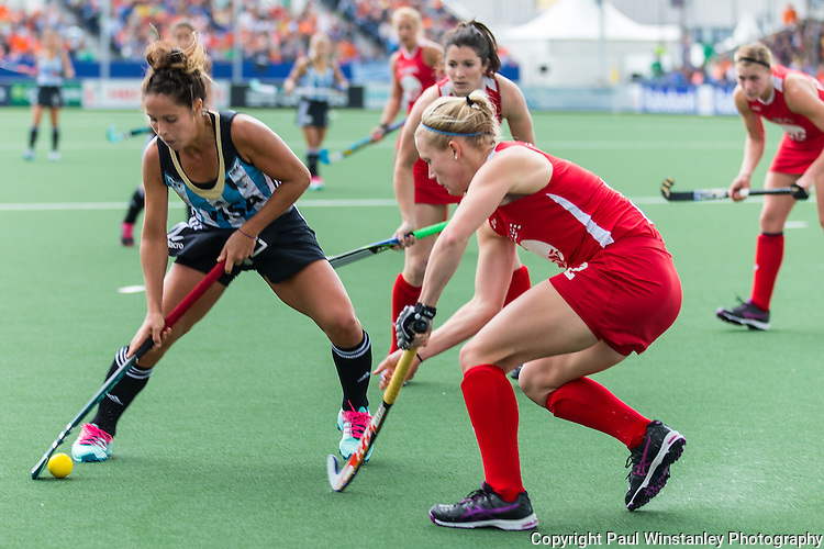 Argentina Women vs USA Women at the Rabobank Hockey World Cup 2014