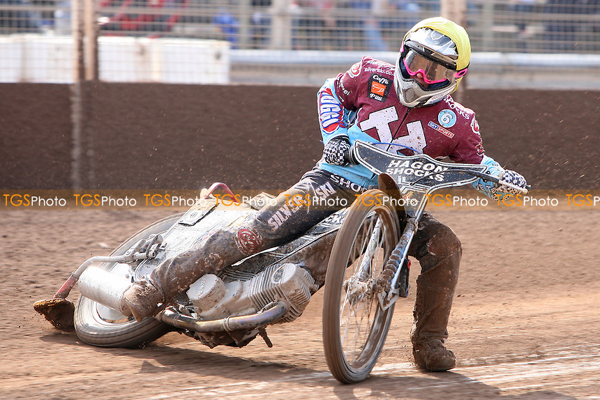 Rob Mear rides for Lakeside Hammers - Ipswich Witches vs Lakeside Hammers - Sky Sports Elite League Speedway at Foxhall Stadium, Ipswich, Suffolk  - 10/04/09 - MANDATORY CREDIT: Gavin Ellis/TGSPHOTO - Self billing applies where appropriate - 0845 094 6026 - contact@tgsphoto.co.uk - NO UNPAID USE.