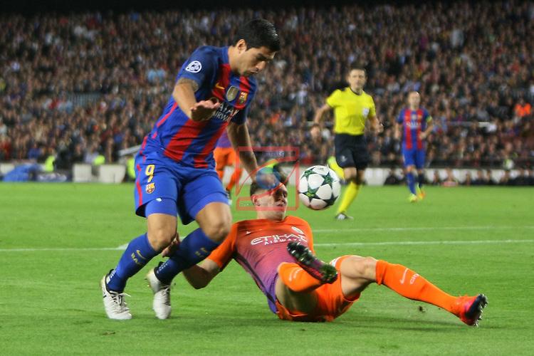UEFA Champions League 2016/2017 - Matchday 3.<br /> FC Barcelona vs Manchester City FC: 4-0.<br /> Luis Suarez vs John Stones.