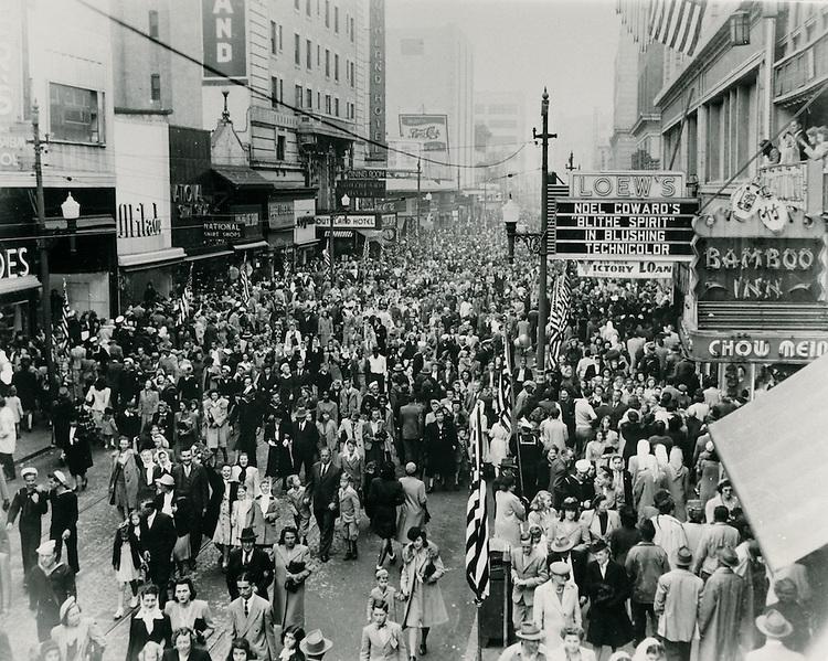 1945 November 11..Historical...Granby Street between College Place & Freemason Street.V-J Day ...NEG#.NRHA#..