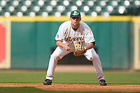 First baseman Dustin Dickerson #19 of the Baylor Bears on defense versus the Houston Cougars in the 2009 Houston College Classic at Minute Maid Park February 27, 2009 in Houston, TX.  The Bears defeated the Cougars 3-2. (Photo by Brian Westerholt / Four Seam Images)