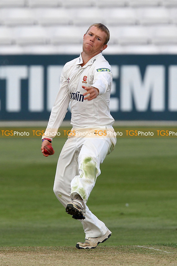 Tom Craddock in bowling action for Essex - Essex CCC vs Yorkshire CCC - LV County Championship Division Two Cricket at the Ford County Ground, Chelmsford, Essex - 11/09/12 - MANDATORY CREDIT: Gavin Ellis/TGSPHOTO - Self billing applies where appropriate - 0845 094 6026 - contact@tgsphoto.co.uk - NO UNPAID USE.