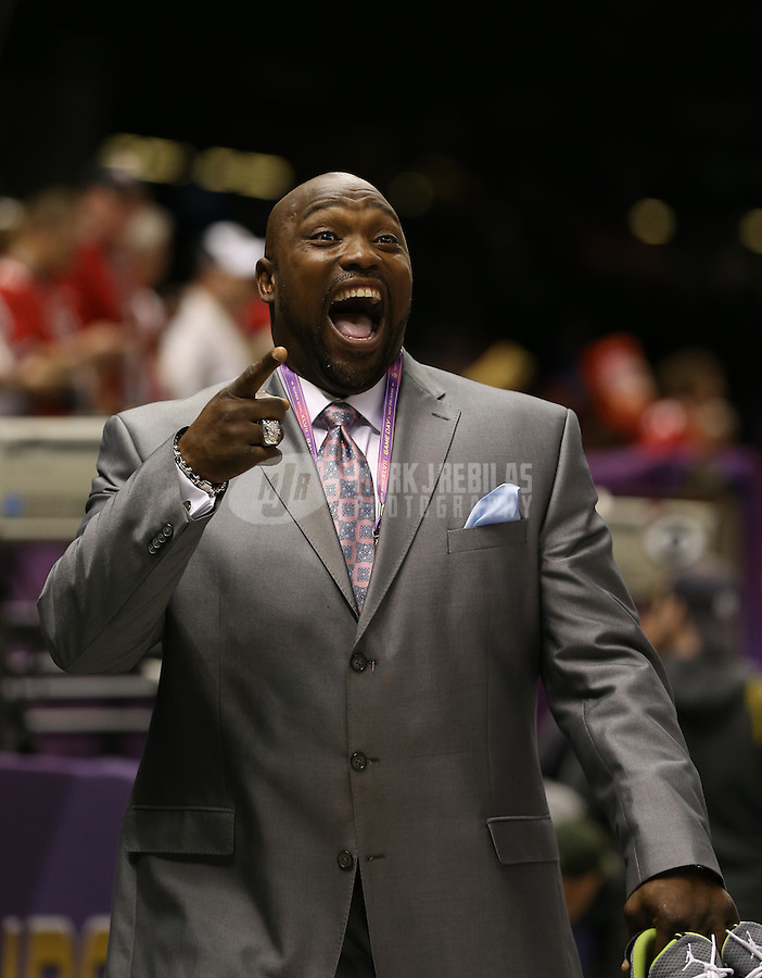 Feb 3, 2013; New Orleans, LA, USA; NFL former player Warren Sapp in attendance before Super Bowl XLVII between the San Francisco 49ers and the Baltimore Ravens at the Mercedes-Benz Superdome. Mandatory Credit: Mark J. Rebilas-