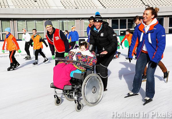 De Coolste Baan van Nederland. Tijdelijke IJsbaan in het Olympisch Stadion in Amsterdam.  Rintje Ritsma en Barbara de Loor