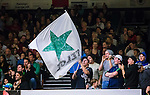 S&ouml;dert&auml;lje 2015-04-10 Basket SM-Semifinal 5 S&ouml;dert&auml;lje Kings - Sundsvall Dragons :  <br /> S&ouml;dert&auml;lje Kings supportrar med en flagga under matchen mellan S&ouml;dert&auml;lje Kings och Sundsvall Dragons <br /> (Foto: Kenta J&ouml;nsson) Nyckelord:  S&ouml;dert&auml;lje Kings SBBK T&auml;ljehallen Sundsvall Dragons supporter fans publik supporters
