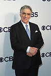 Elliott Gould arrives at the CBS Upfront at The Plaza Hotel in New York City on May 17, 2017.