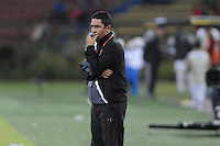 MEDELLÍN -COLOMBIA-11-08-2013. Oscar Perez técnico de Medellin gesticula durante partido contra Equidad válido para la  fecha 3 de la Liga Postobón II 2013 jugado en el Estadio Atanasio Girardot de la ciudad de Medellin./ Medellin coach Oscar Perez gestures during match against Equidad or the 3th date of the Postobon League II 2013 at Atanasio Girardot stadium in Medellin city.  Photo:VizzorImage/Luis Ríos/STR