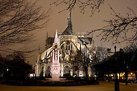 Notre Dame de Paris by night, 1163 ? 1345, initiated by the bishop Maurice de Sully, Ile de la Cité, Paris, France. Picture by Manuel Cohen
