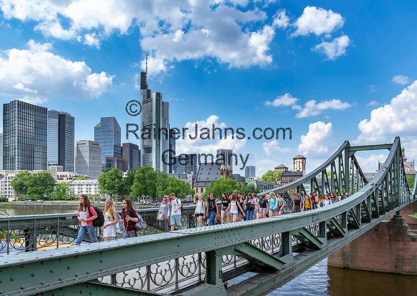 Germany, Hesse, Frankfurt on the Main: view across river Main and bridge Eiserner Steg towards Frankfurt's skyline with Commerzbank Tower | Deutschland, Hessen, Frankfurt am Main: Blick ueber den Main und Eisernen Steg auf Frankfurts Skyline mit dem Commerzbank Tower