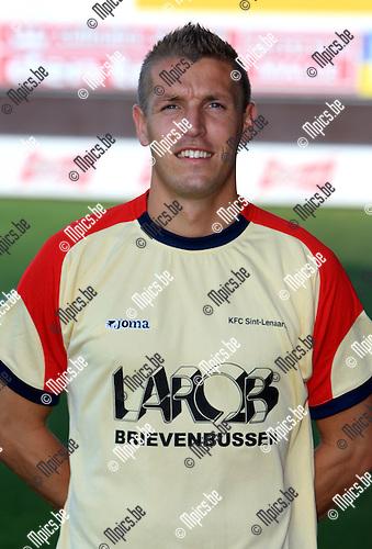 2010-07-28 / Voetbal / seizoen 2010-2011 / Sint Lenaarts / Joris Jaspers..Foto: mpics