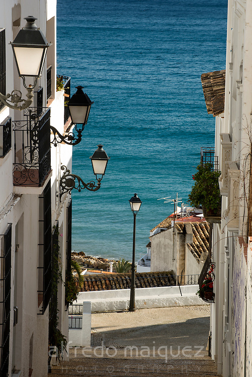 Alley with a view to the Mediterranean sea, Altea, Alicante, Costa Blanca, Spain