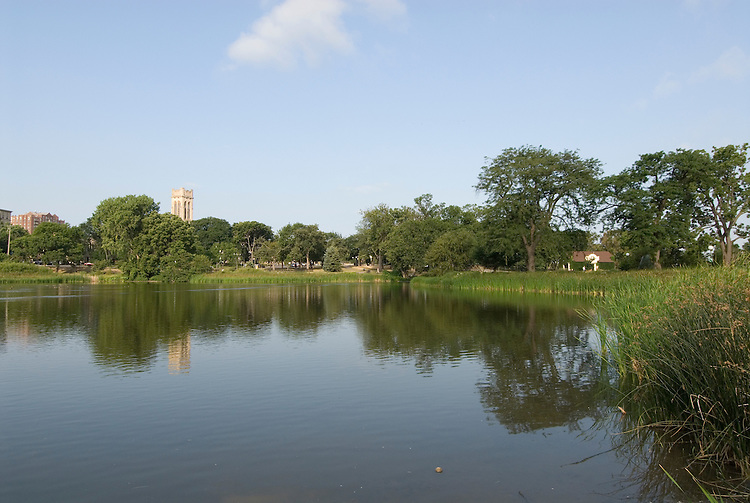 Minnesota, Twin Cities, Minneapolis-Saint Paul: Loring Park and lake in Minneapolis..Photo mnqual228-74870..Photo copyright Lee Foster, www.fostertravel.com, 510-549-2202, lee@fostertravel.com.