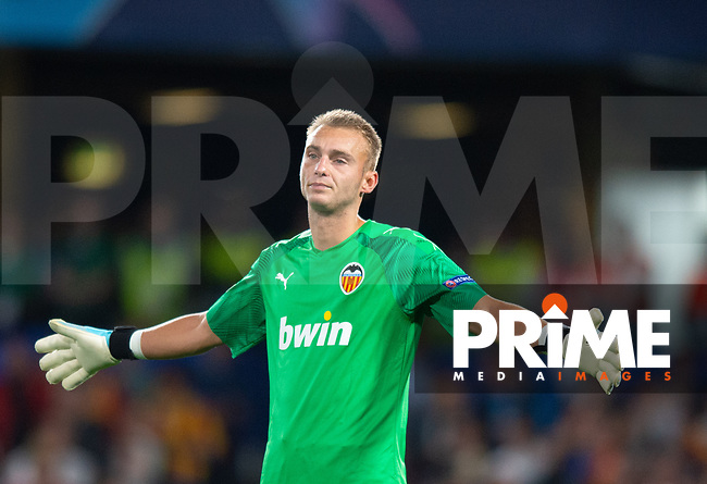 Valencia Cillessen during the UEFA Champions League match between Chelsea and Valencia  at Stamford Bridge, London, England on 17 September 2019. Photo by Andrew Aleksiejczuk / PRiME Media Images.