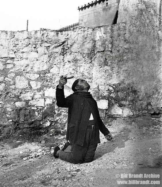 Spanish beggar, 1932