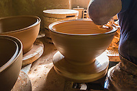 France, Aude (11),  Mas-Saintes-Puelles, Poterie Not, poterie traditionnelle. fabrication des cassoles, plat destiné à la préparation du cassoulet, qui résiste à forte température. //France, Aude, Mas Saintes Puelles, Not Pottery, traditional pottery. manufacturing Cassoles dish for stew cassoulet, which resists high temperature.