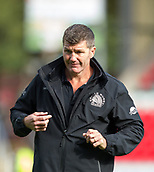 30th September 2017, Welford Road, Leicester, England; Aviva Premiership rugby, Leicester Tigers versus Exeter Chiefs;  Exeter's Director of Rugby Rob Baxter takes the team warm-up on the Welford Road pitch ahead of kick-off