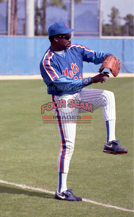 New York Mets Eddie Murray (33) during spring training circa 1992.  (MJA/Four Seam Images)