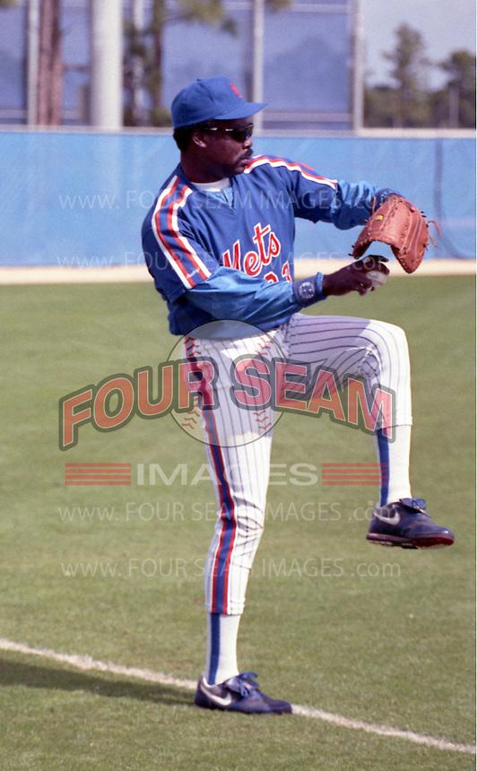 New York Mets Eddie Murray (33) during spring training circa 1992.  (MJA/Four Seam Images)