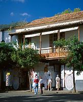 Spanien, Kanarische Inseln, Gran Canaria, Teror: Kunsthandwerk-, Souvenirladen | Spain, Canary Island, Gran Canaria, Teror: craftwork-, souvenir-shop