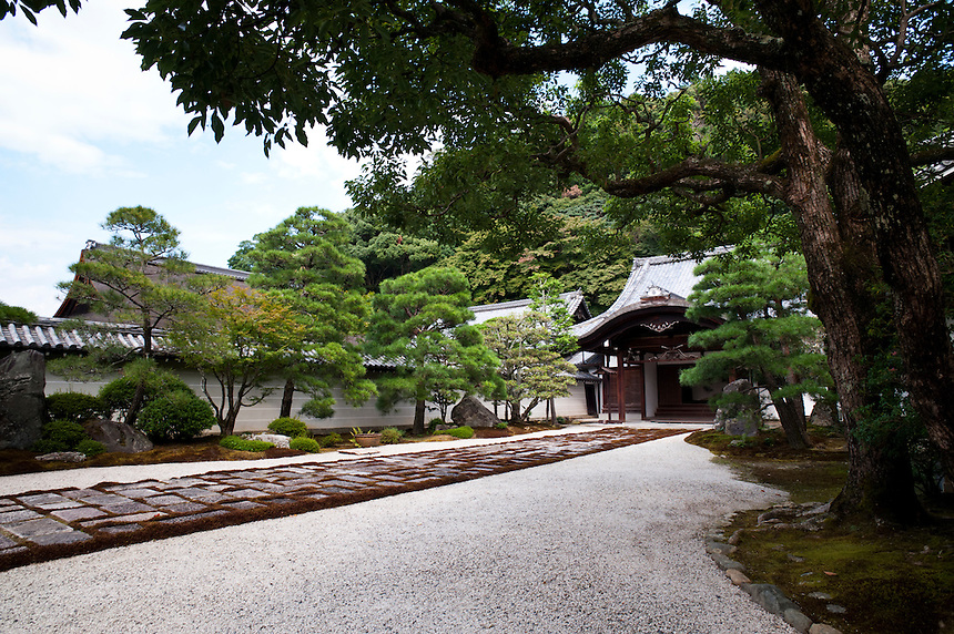 Nanzen-in Temple approach, Nanzen-ji Temple, Kyoto, Japan.