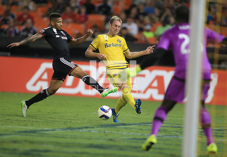 Washington, D.C. - Saturday, September 19, 2015: The Columbus Crew defeated D.C. United 2-1 in a MLS match at RFK Stadium.