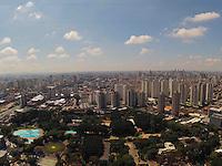 SAO PAULO, SP, 31/03/2013, CLIMA TEMPO. Manha de sol nesse Domingo de Pascoa (31) em São Paulo, foto feita na região da Moóca. LUIZ GUARNIERI/ BRAZIL PHOTO PRESS.