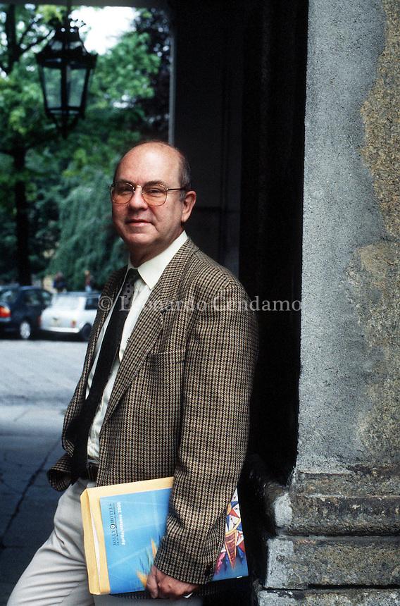 2000: MIGUEL BARNET, WRITER © Leonardo Cendamo