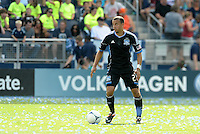 San Jose defender Jason Hernandez (21) in action... Sporting Kansas City defeated San Jose Earthquakes 2-1 at LIVESTRONG Sporting Park, Kansas City, Kansas.