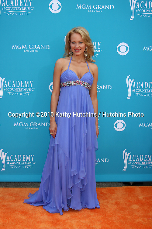 Jewel.arrives at the Academy of Country Music Awards 2010.MGM Garden Arena.Las Vegas, NV.April 18, 2010.©2010 Kathy Hutchins / Hutchins Photo....