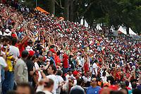 SAO PAULO, SP, 24.11.2013 - F1 GP BRASIL - Expectadores durante o Grande Prêmio do Brasil de Fórmula 1, no autódromo de Interlagos, zona sul da capital paulista, neste domingo (24).  (Foto: Pixathlon/ Brazil Photo Press).