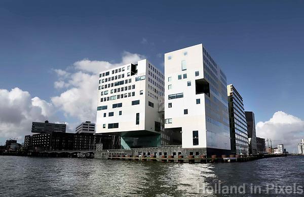 Nederland Amsterdam 2017. Het IJdock ( IJdok ) met het Paleis van Justitie. Foto Berlinda van Dam / Hollandse Hoogte