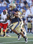 Annapolis, MD - September 23, 2017: Navy Midshipmen running back Malcolm Perry (10) runs the ball during the game between Cincinnati and Navy at  Navy-Marine Corps Memorial Stadium in Annapolis, MD.   (Photo by Elliott Brown/Media Images International)