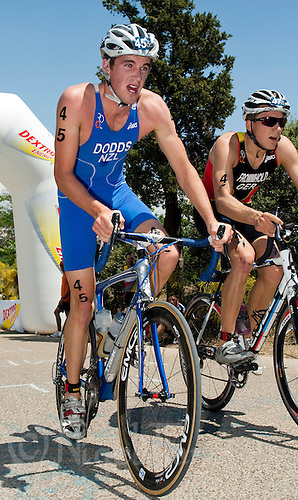 31 MAY 2009 - MADRID,ESP - Tony Dodd - ITU World Championship Series Mens Triathlon (PHOTO (C) NIGEL FARROW)