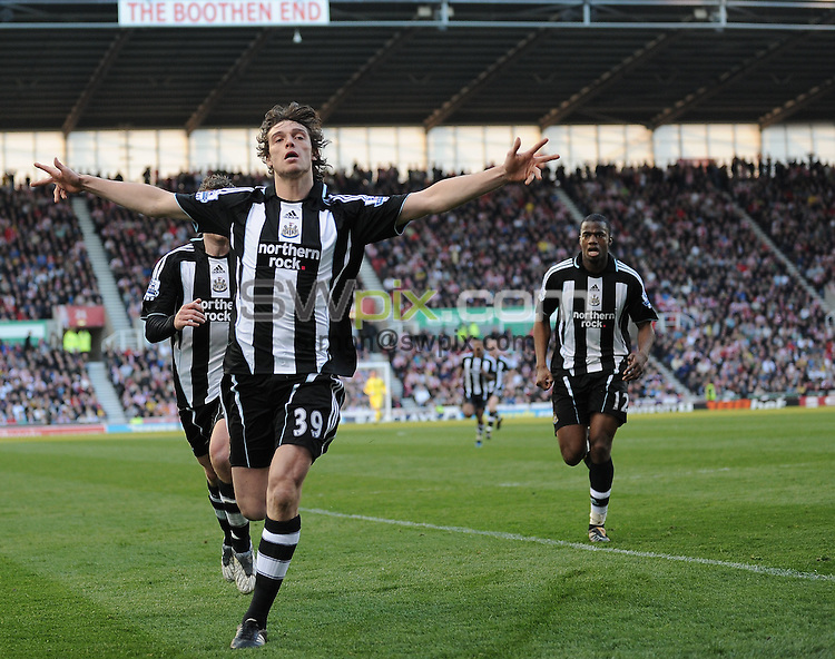 PICTURE BY JEREMY RATA/SWPIX.COM. Barclays Premier league 2008/9 - Stke City v Newcastle United- Brittania Stadium, Stoke, England. 11th April 2009. Newcastle's Andy Carroll celebrates scoring the equalising goal..Copyright - Simon Wilkinson - 07811267706