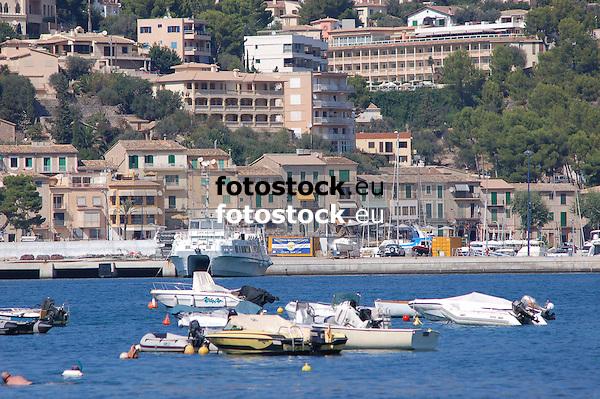 Puerto de S&oacute;ller (Port Soller)<br /> <br /> 3008 x 2000 px<br /> 150 dpi: 50,94 x 33,87 cm<br /> 300 dpi: 25,47 x 16,93 cm