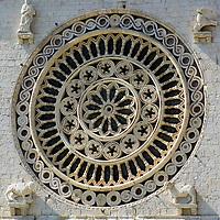 ITA, Italien, Umbrien, Assisi: Basilika San Francesco - Fensterrose (Rosette) | ITA, Italy, Umbria, Assisi: Basilica San Francesco - rosette (rose window)