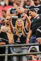 SAO PAULO, SP, 13.10.2013 - CAMP. BRASILEIRO 2013 - SAO PAULO X CORINTHIANS  - Torcedores do Corinthians durante partida contra o Sao Paulo jogo valido pelo Campeonato Brasileiro no Estadio Cicero Pompeu de Toledo (Morumbi), neste domingo, 13. (Foto: William Volcov / Brazil Photo Press).