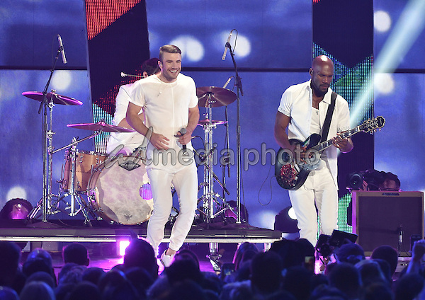 10 June 2015 - Nashville, Tennessee - Sam Hunt. 2015 CMT Music Awards held at Bridgestone Arena. Photo Credit: Laura Farr/AdMedia