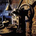 27/09/01 - THIERS - PUY DE DOME - FRANCE - Ancien atelier de coutellerie GONIN - Photo Jerome CHABANNE
