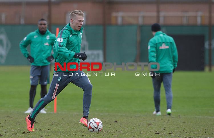 27.02.2015, Trainingsgelaende, Bremen, GER, 1.FBL, Training Werder Bremen, im Bild Janek Sternberg (Bremen #37)<br /> <br /> Foto &copy; nordphoto / Frisch