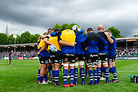 The Bath Rugby forwards huddle together during the pre-match warm-up. Gallagher Premiership match, between Bath Rugby and Gloucester Rugby on September 8, 2018 at the Recreation Ground in Bath, England. Photo by: Patrick Khachfe / Onside Images