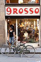 9 Rosso vintage boutique, Borgo San Jacapo, 32r, Florence, Italy