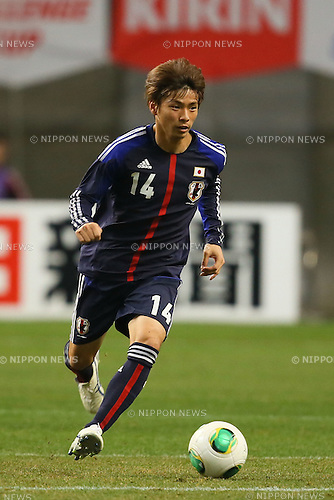 Takashi Inui (JPN), .FEBRUARY 6, 2013 - Football / Soccer : .KIRIN Challenge Cup 2013 Match between Japan 3-0 Latvia .at Home's Stadium Kobe in Hyogo, Japan. .(Photo by Akihiro Sugimoto/AFLO SPORT)