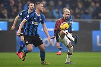 Milan Skriniar of FC Internazionale , Samu Castillejo of AC Milan <br /> Milano 09/02/2020 Stadio San Siro <br /> Football Serie A 2019/2020 <br /> FC Internazionale - AC Milan <br /> Photo Andrea Staccioli / Insidefoto