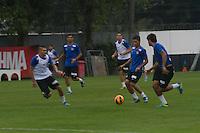 SANTOS, SP, 23.08.2013 - Nesta sexta-feira a equipe da baixada santista realizou no CT Rei Pelé um rachão. (Foto: Flavio Hopp/Brazil Photo Press).