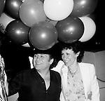 Photograph of Danny Devito and his wife Rhea Perlman in May 1982.