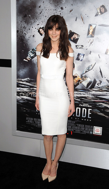 WWW.ACEPIXS.COM . . . . . ....March 28 2011, Los Angeles....Actress Michelle Monaghan arriving at the premiere of 'Source Code' at the Arclight Cinerama Dome on March 28, 2011 in Los Angeles, CA....Please byline: PETER WEST - ACEPIXS.COM....Ace Pictures, Inc:  ..(212) 243-8787 or (646) 679 0430..e-mail: picturedesk@acepixs.com..web: http://www.acepixs.com