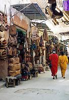 Morocco, Marrakech: Street scene | Marokko, Marrakesch: Einkaufsbummel marokkanisch